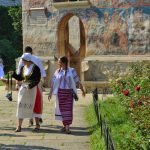 Bucovina tours - traditional costumes